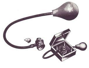 Bruening Pneumatic Magnifier Otoscope Set
