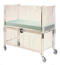 Child Crib w/ Safety Extender